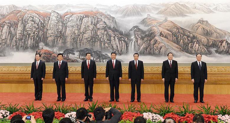 图:新一届中央政治局常委同中外记者见面