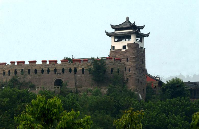 四川广安邓小平纪念馆-   地 址:广安市城区 旅游咨询:0826-233