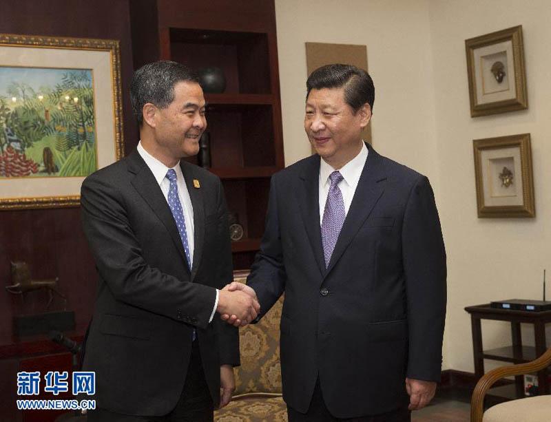 10月6日,国家主席习近平在印度尼西亚巴厘岛会见前来出席亚太经合图片