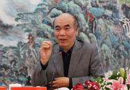 """中国人民大学经济学教授李义平说,""""两个都是""""是在党的文件中对非公有制经济的空前肯定,为非公有制经济的蓬勃发展在意识形态上扫清了障碍。"""