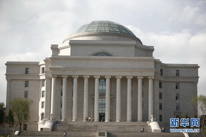 长春建筑学院图书馆,外形酷似美国白宫