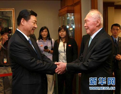 任中国党和国家领导人与李光耀会见珍贵合影图片
