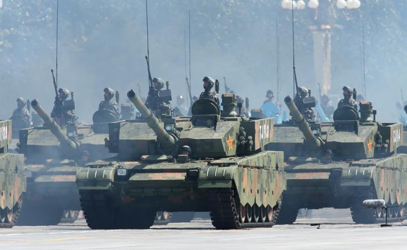 习近平首次沙场阅兵 号令解放军向世界一流军队进发