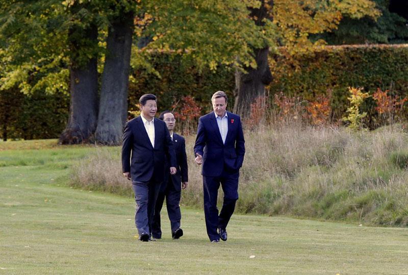 22日国家习近平在契克斯首相乡间别墅同英国首相卡梅伦再次会晤.