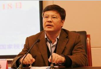 谢春涛中央党校校委委员、教务部主任历史车轮滚滚向前,时代潮流浩浩荡荡。[阅读]