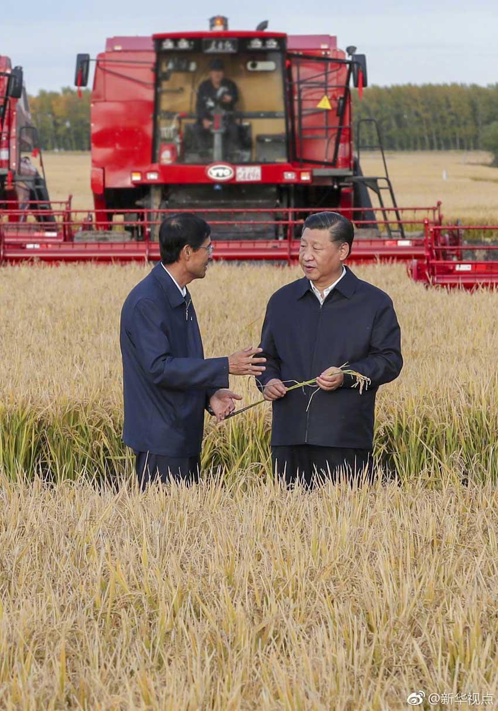 9月25日,中共中央总书记,国家主席,中央军委主席习近平抵达黑龙江省开