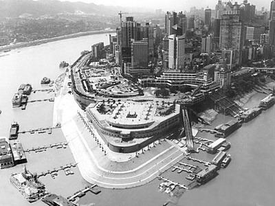 """重庆市决定打造以主城区为核心的""""一小时经济圈"""".图为重庆朝天门图片"""