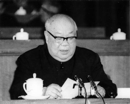 1999年12月24日 江华同志逝世