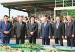 胡锦涛出席上合组织峰会、赴俄观摩\r\n联合反恐军演并访问中亚两国