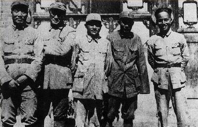 抗战时期,八路军129师主要领导合影