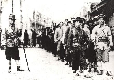 1927年3月,上海工人在党的领导