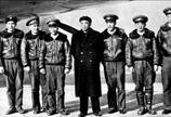 &$<font color=\'#000000\'>&$1958年12月,彭德怀副总理和飞机驾驶人员的合影。&$</font>&$