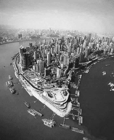 """和长江汇合处的朝天门码头,见证著重庆这个建设中的""""内陆开放高图片"""