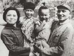 邓小平夫妇和孩子们