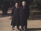 夫妇在上海留影